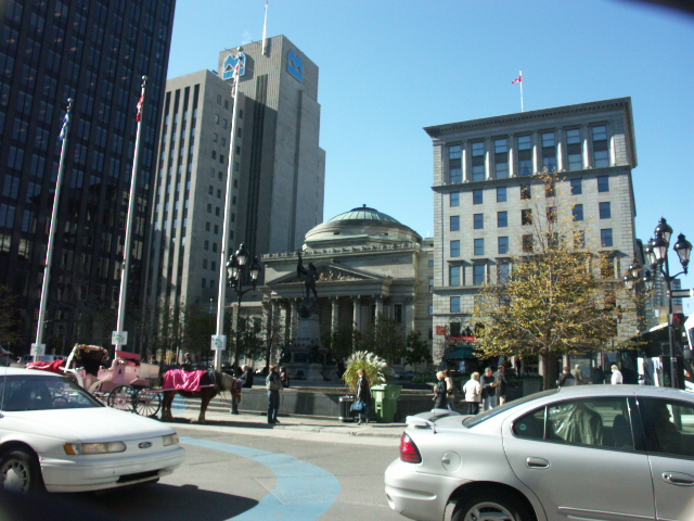 Place_d%27Armes,_Montreal_2005-10-21.JPG